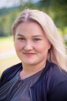 Susanna : Nuoriso- ja yhteisöohjaaja, opiskelee sosionomiksi